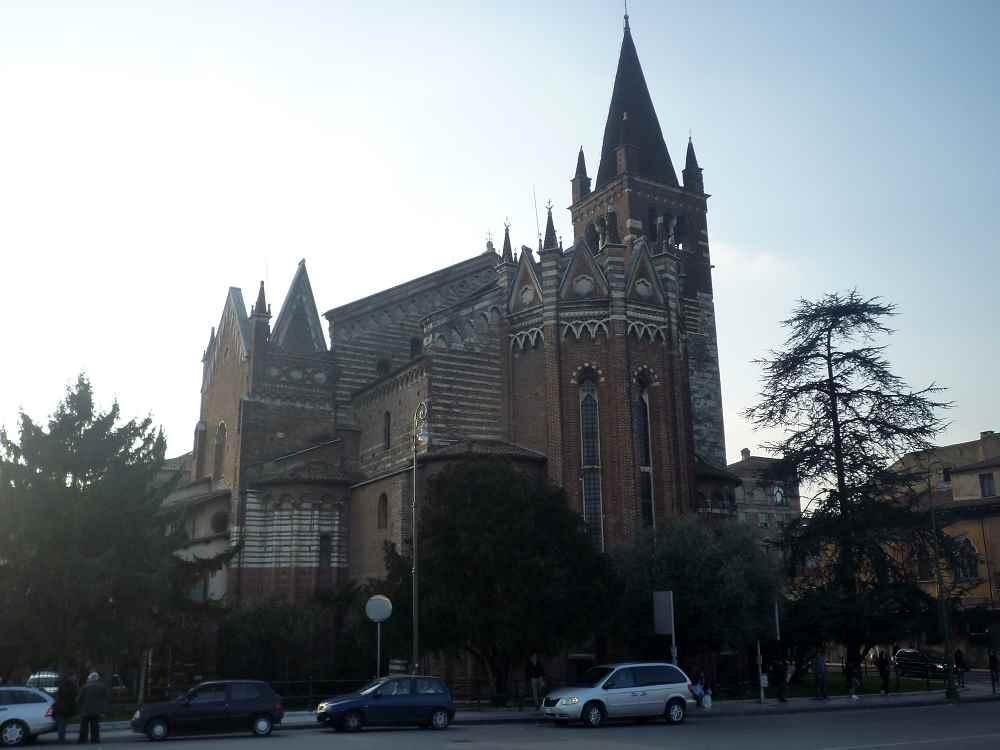 kirken chiesa san zenone e martino lazise